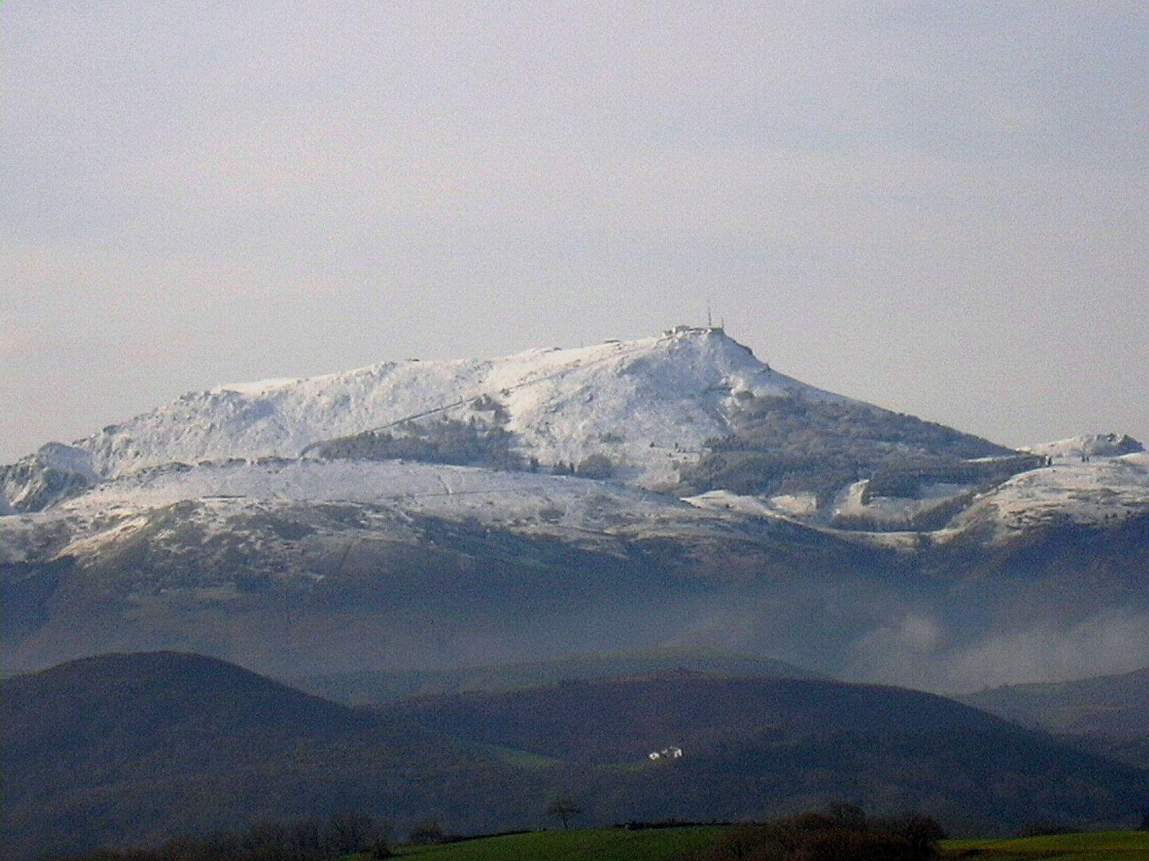 La montagne basque en hiver for Distri center la montagne